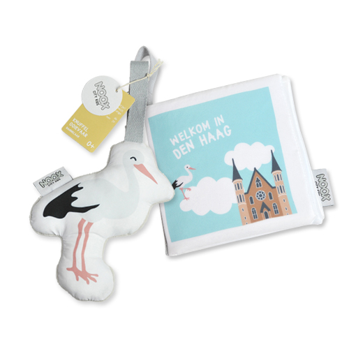 Cadeaupakket Den Haag met boekje en soft toy ooievaar | NOOX City Kids