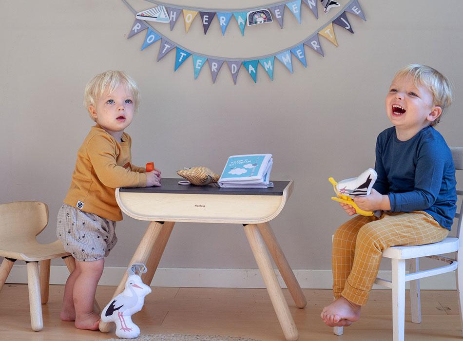 Geboorteslinger, zacht babyoekje en soft toys   NOOX City Kids