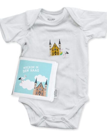 Cadeaupakket Den Haag met zacht babyboekje en romper | NOOX City Kids