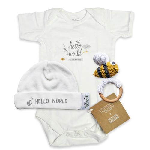 Cadeaupakket Hello World met romper, mutsje en Crochet Toy bij   NOOX City Kids