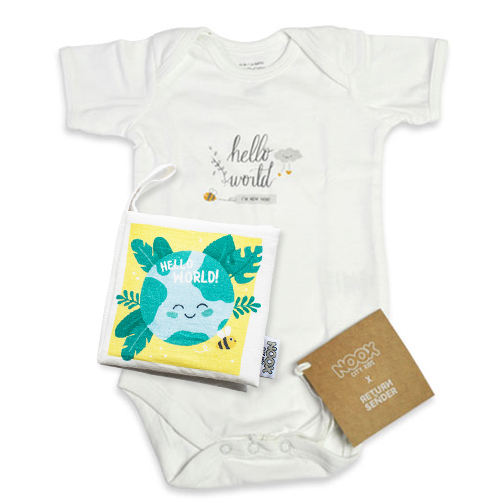 Zacht babyboekje en romper Hello World | NOOX City Kids